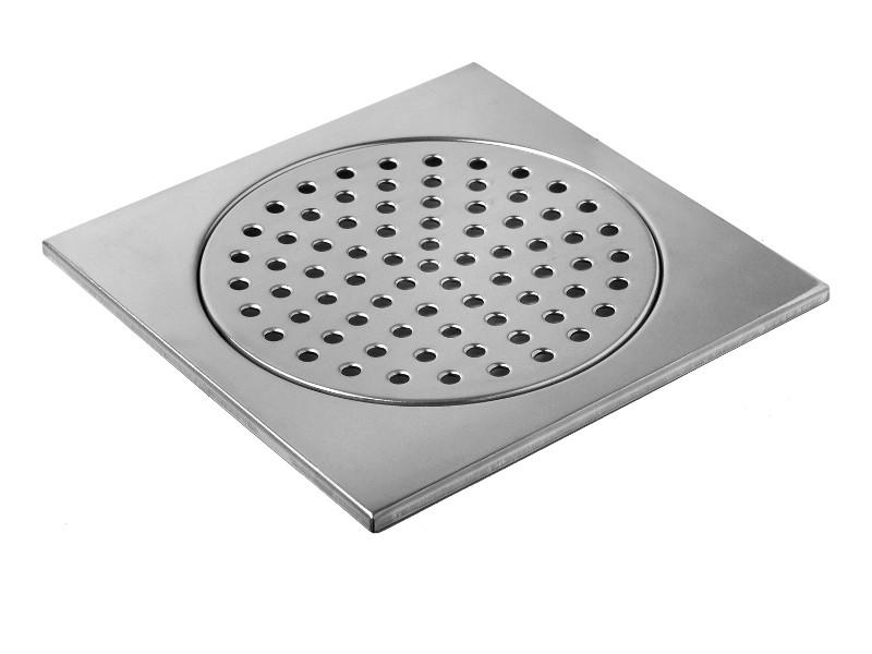 Rengör golvbrunn i badrum